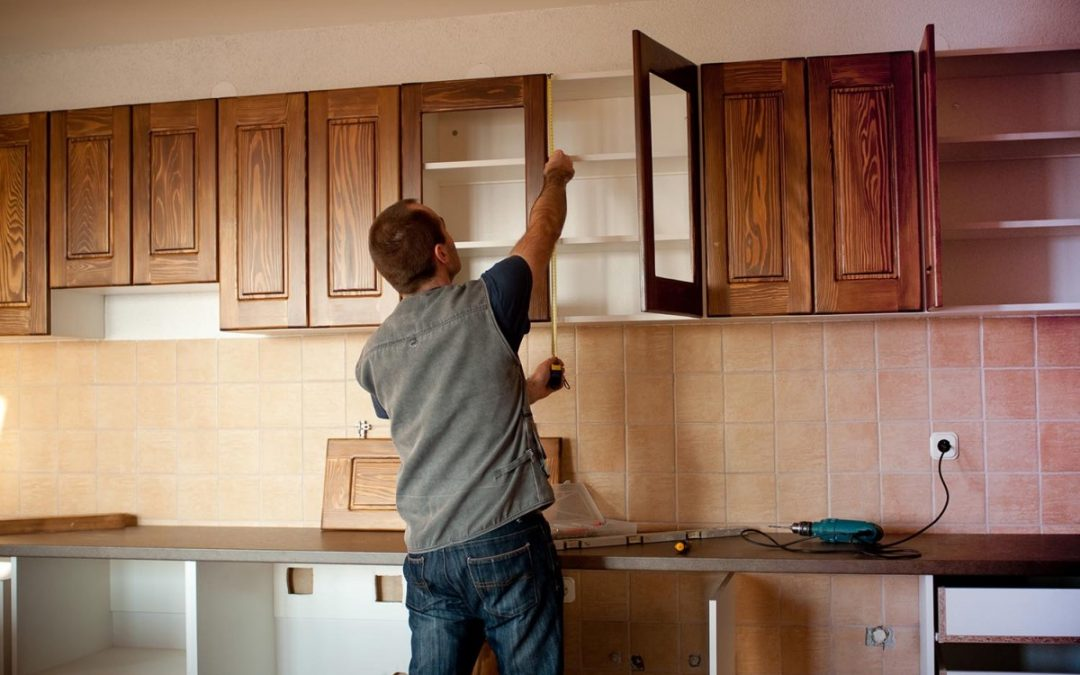 Is It Better to Replace or Reface Kitchen Cabinets?